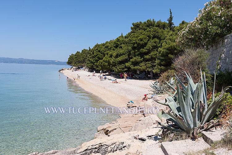 beach at former hotel Jadran