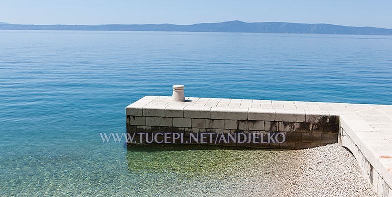 berth at hotel Jadran, Tučepi