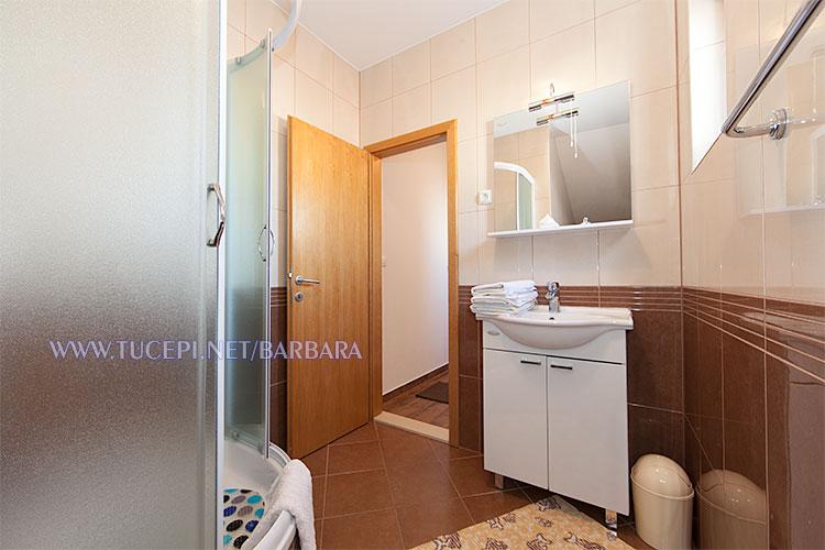 Apartments Barbara, Tučepi - bathroom