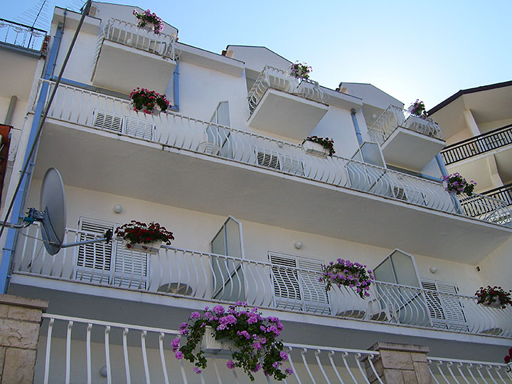 Pension Bili Dvor, Tučepi - balconies