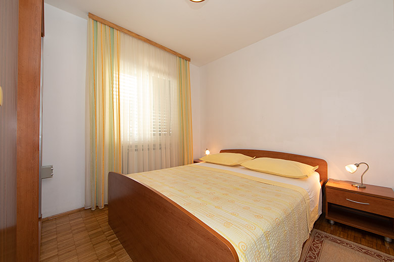 Apartments Biser, Tučepi - bedroom