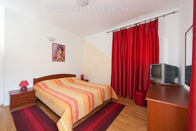 bedroom - wide photo