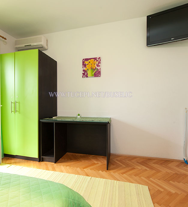 Apartments Bušelić, Tučepi - bedroom