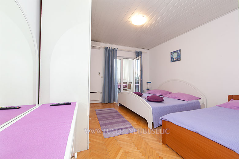 Apartments Bušelić, Tučepi - bedroom