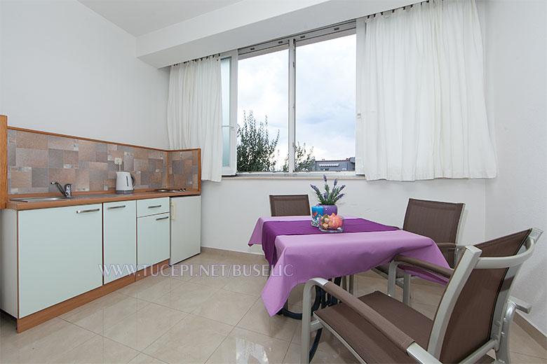 Apartments Bušelić, Tučepi - dining room