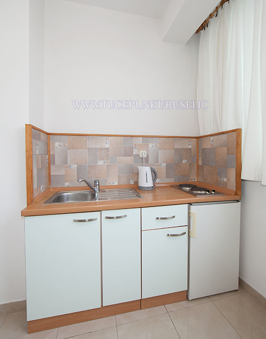 Apartments Bušelić, Tučepi - kitchen
