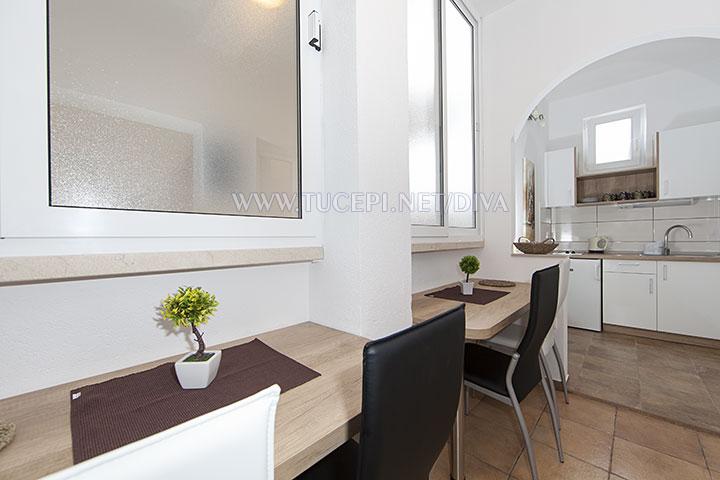 dining room in apartment Diva, Tučepi
