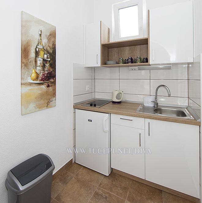 kitchen in apartment Diva, Tučepi