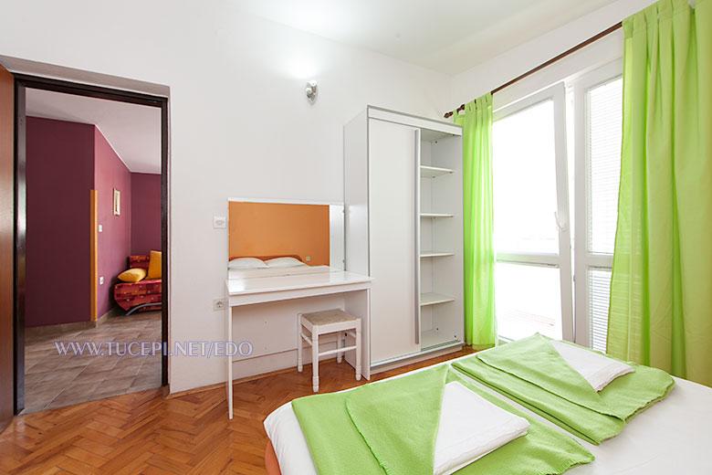 apartments Edo, Tučepi - bedroom