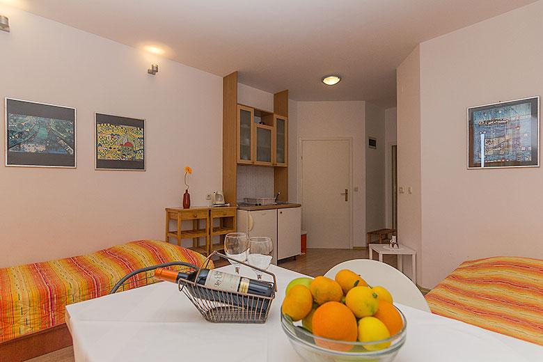 Apartments Ela, Tučepi - dining table