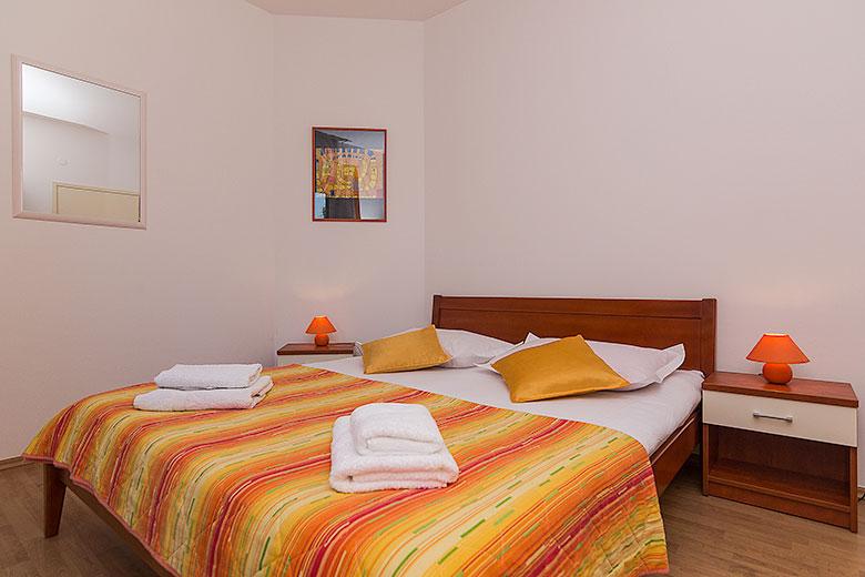 Apartments Ela, Tučepi - bedroom