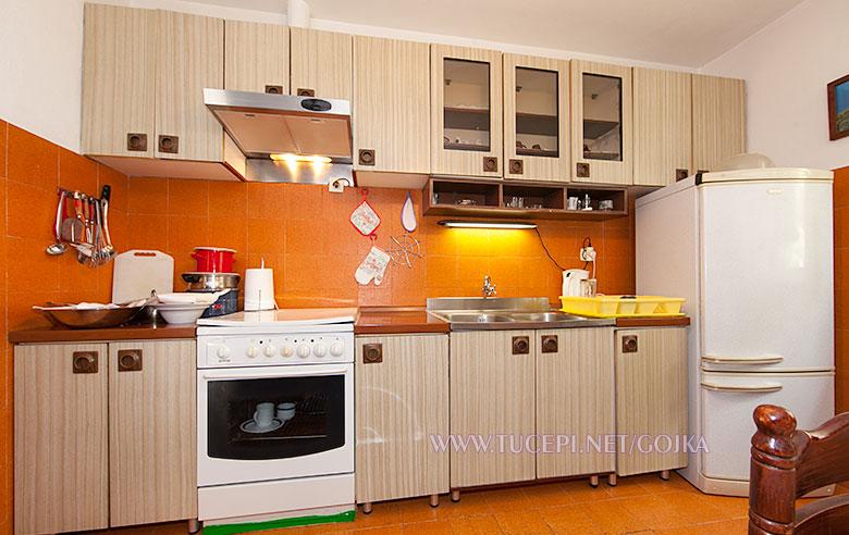 Apartments Gojka, Tučepi - kitchen