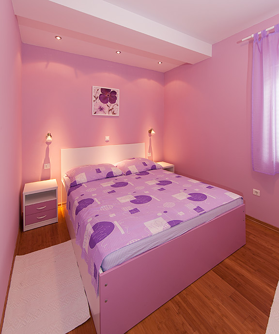 pastel color in bedroom