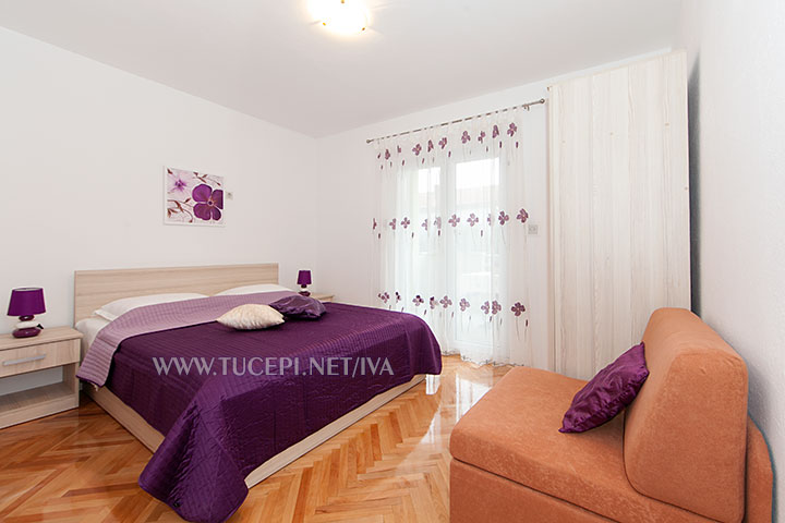apartments Iva, Tučepi - bedroom