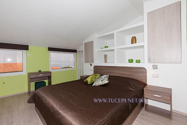 bedroom - apartments Iva, Tučepi