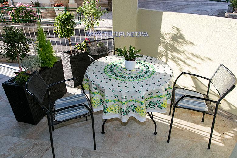 apartments Iva, Tučepi - veranda