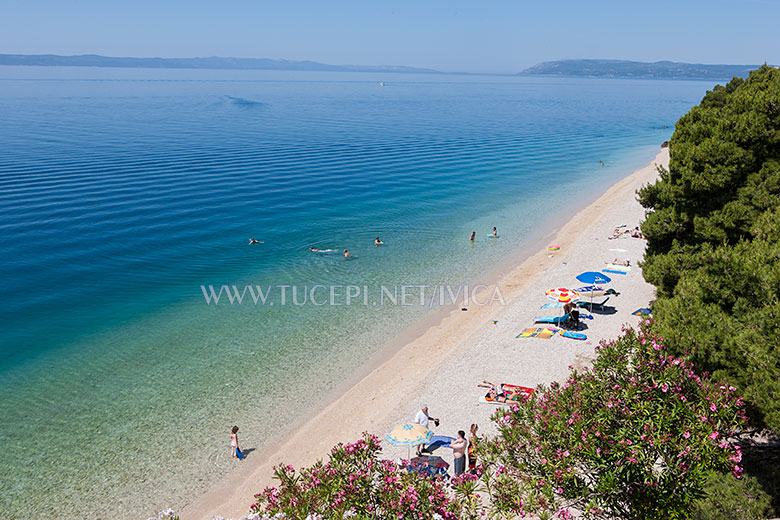 beach at the end of Tučepi, less people - more comfort and enjoy
