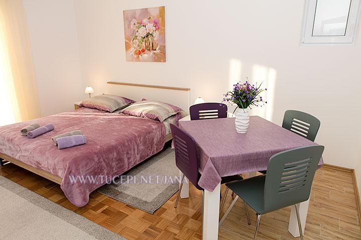apartments Jana, Tučepi - dining table