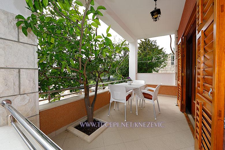 apartments Villa 750, Tučepi - terrace