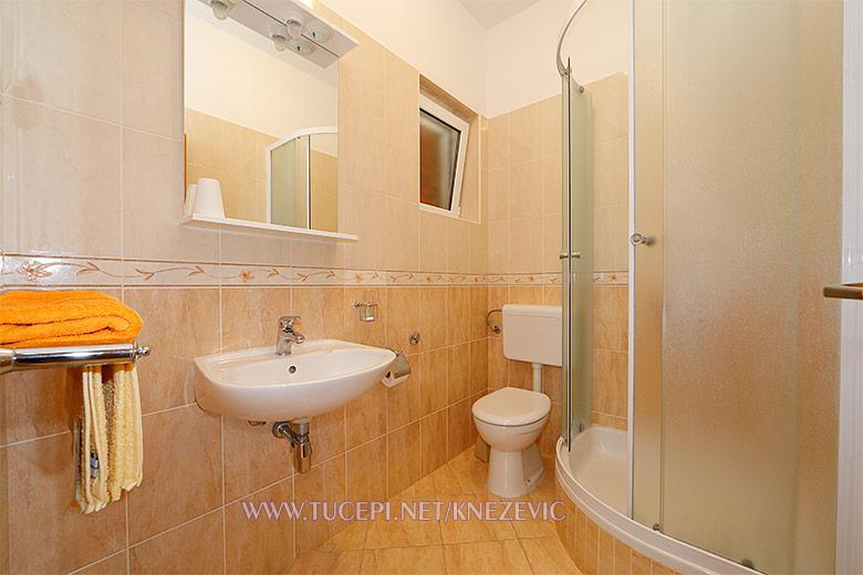 apartments Villa 750, Tučepi - bathroom