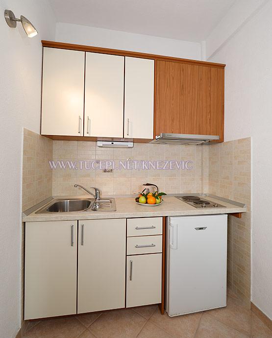 apartments Villa 750, Tučepi - kitchen