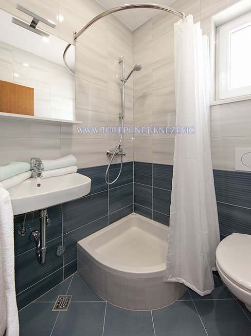 apartments Villa 750, Knežević, Tučepi - bathroom