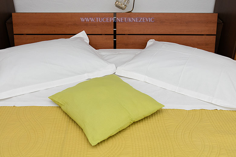 apartments Villa 750, Knežević, Tučepi - bed linen