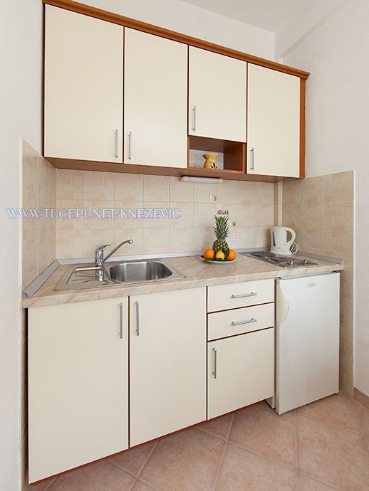 apartments Villa 750, Knežević, Tučepi - kitchen