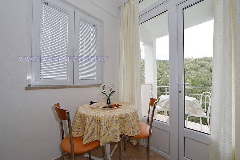 apartments Villa 750, Tučepi - dining room