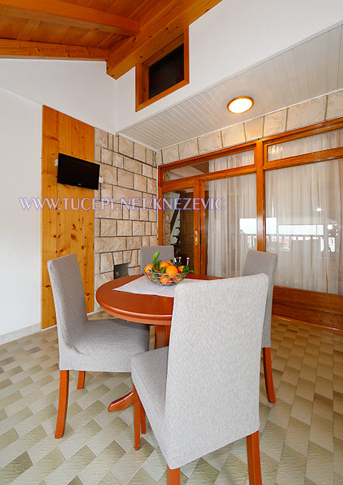dining room, kitchen
