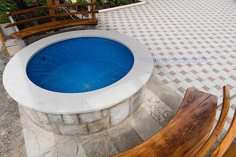 apartments Villa 750, Knežević, Tučepi - small pool with interior springs