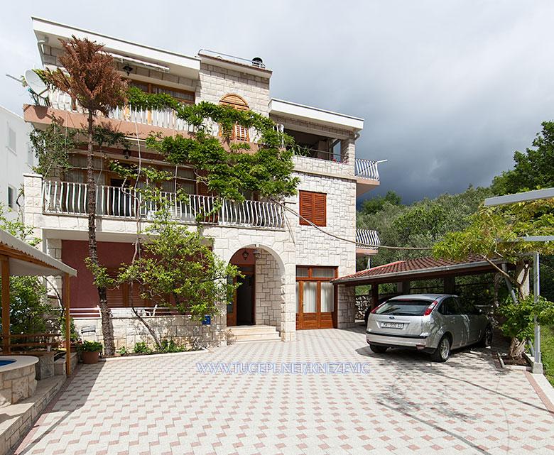 apartments Villa 750, Knežević, Tučepi - house