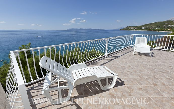 Apartments Kovačević, Tučepi - terrace with sea view