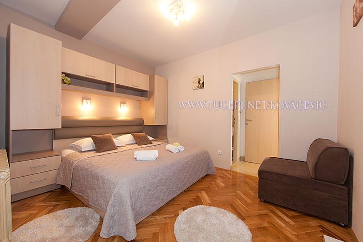 Apartments Kovačević, Tučepi - bedroom