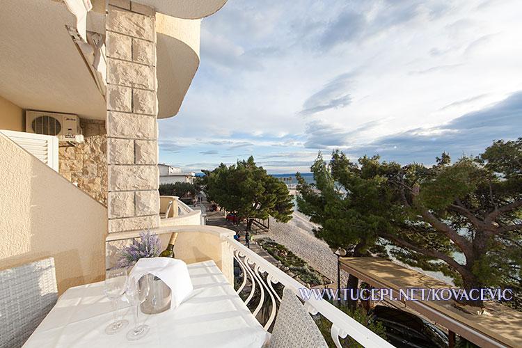 Apartments Kovačević, Tučepi - balcony with sea view