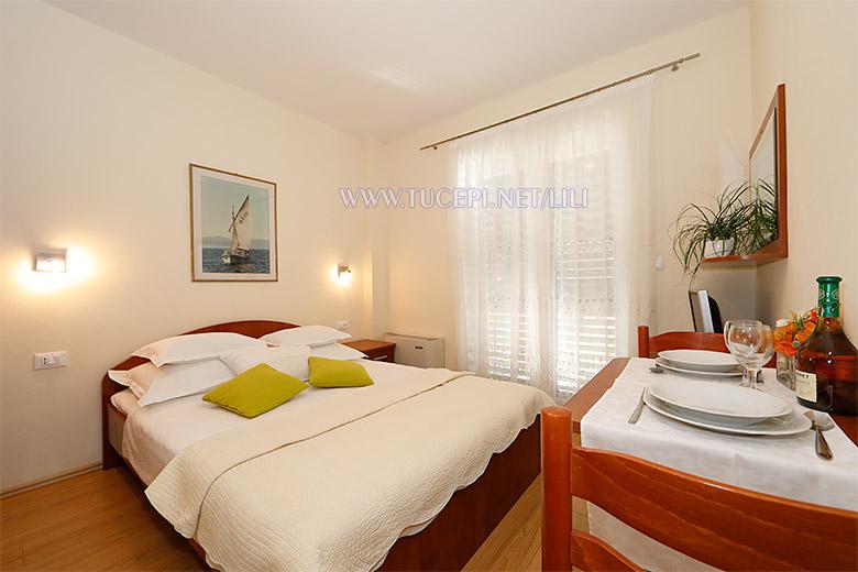 Apartments Villa Lili, Tučepi - bedroom