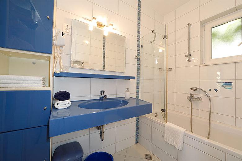 Apartments Villa Lili, Tučepi - bathroom