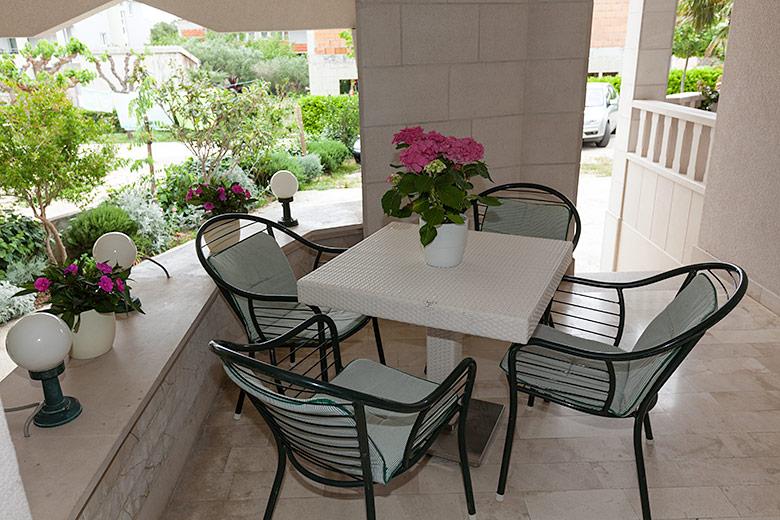 Apartments Villa Lili, Tučepi - terrace