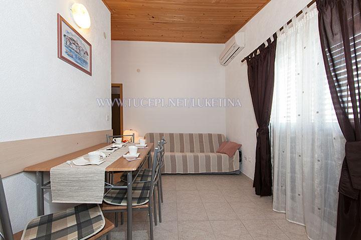 apartments Luketina, Tučepi - dining room