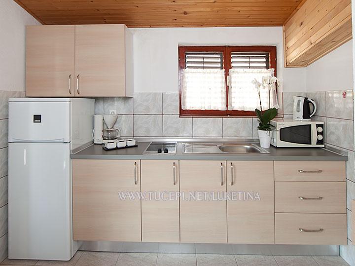 apartments Luketina, Tučepi - kitchen