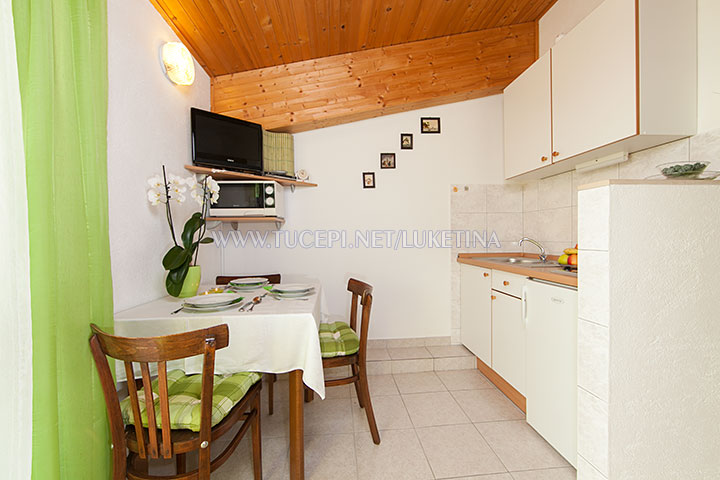 apartments Luketina, Tučepi - dining room, kitchen