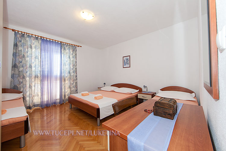 apartments Luketina, Tučepi - bedroom for 4 persons