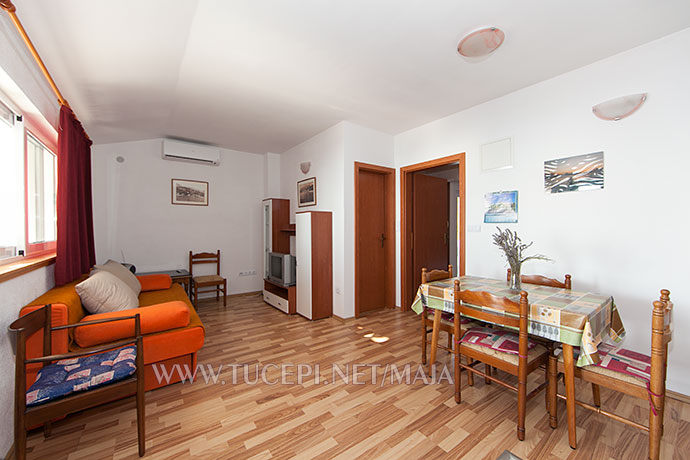living room, dining room - Wohnzimmer, Esszimmer