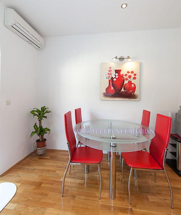 Apartments Marijan, Tučepi - dining table