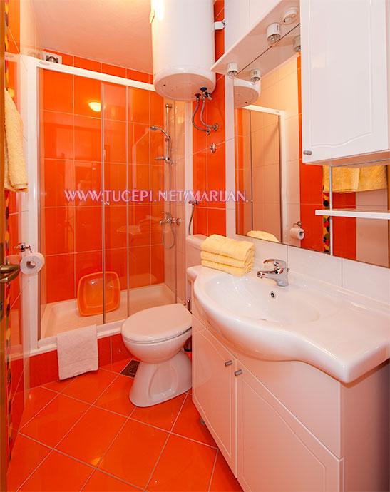 Apartments Marijan, Tučepi - bathroom