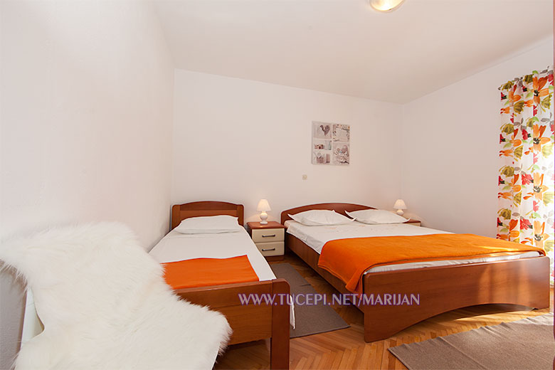 Apartments Marijan, Tučepi - bedroom