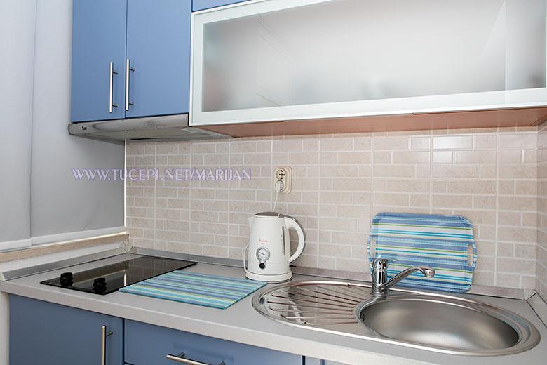 Apartments Marijan, Tučepi - kitchen