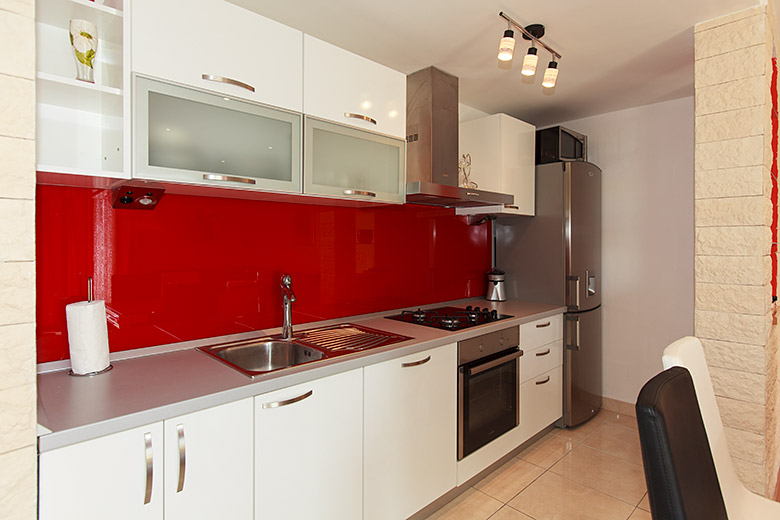 fully equipped kitchen, italian design, all quality hardware
