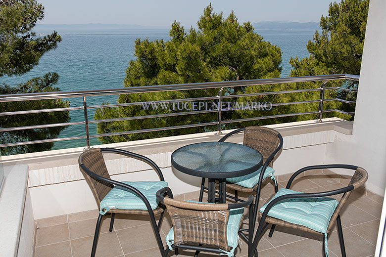 apartments Marko, Tučepi - balcony with sea view