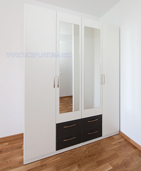 apartments Marko, Tučepi - wardrobe